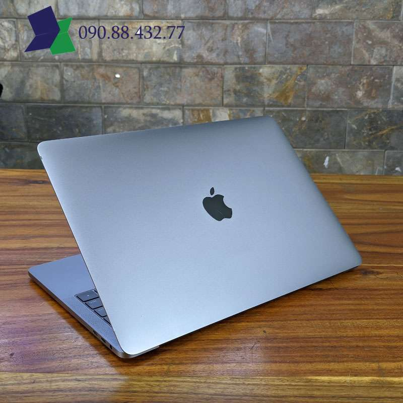Macbook Pro 2018 13.3inch touch bar Core i5 8th RAM8G SSD256G 13.3inch 2k