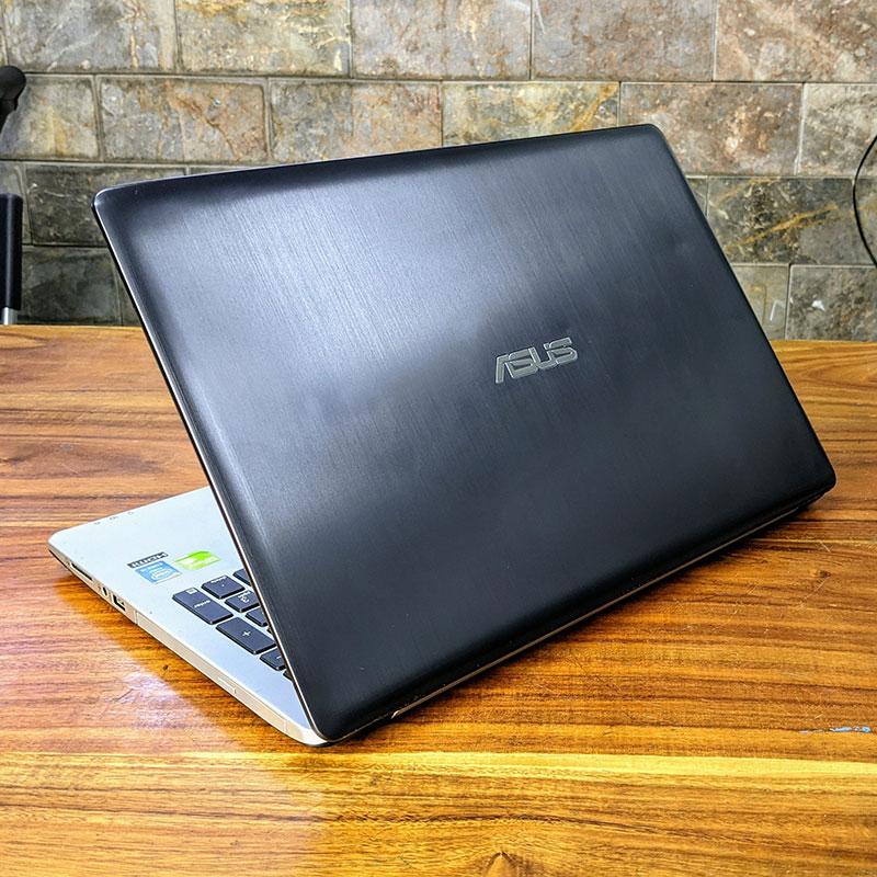 ASUS S551LN là dòng laptop giá rẻ trang bị cấu hình mạnh mẽ