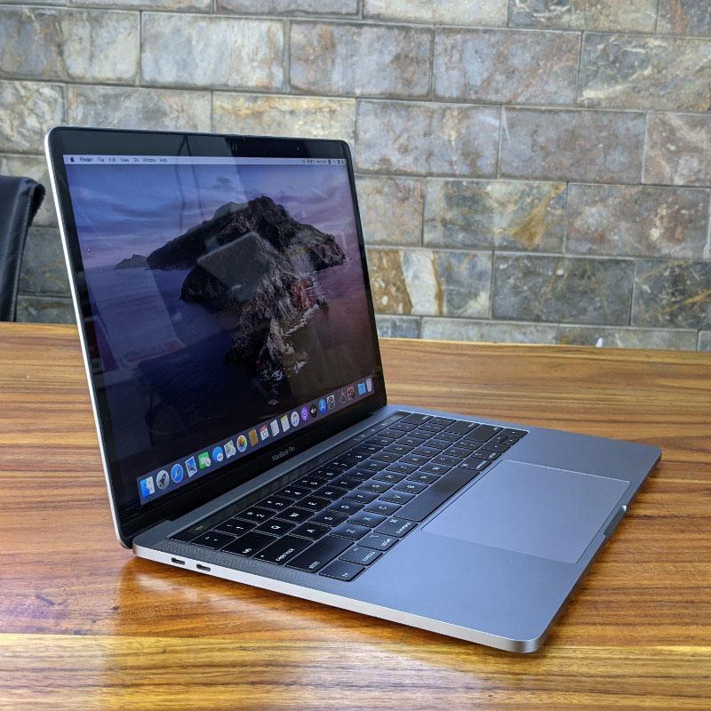 Màn hình - MacBook Pro 2018 cóthêm TrueTone