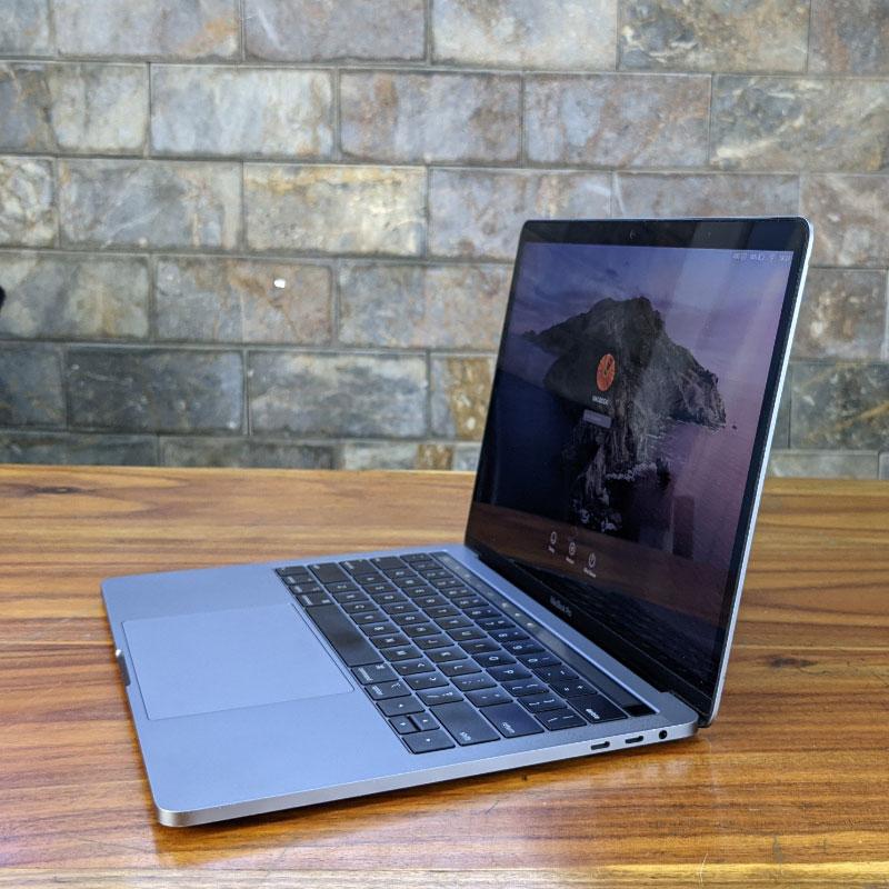 Macbook Pro 2018 13.3inch touch bar bảo mật tốt hơn